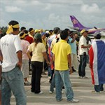 Thaiföldön több ezer turista nem tud elutazni a tüntetések miatt