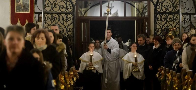 Már szombaton nyitnak a katolikus templomok, és lehet miséket tartani