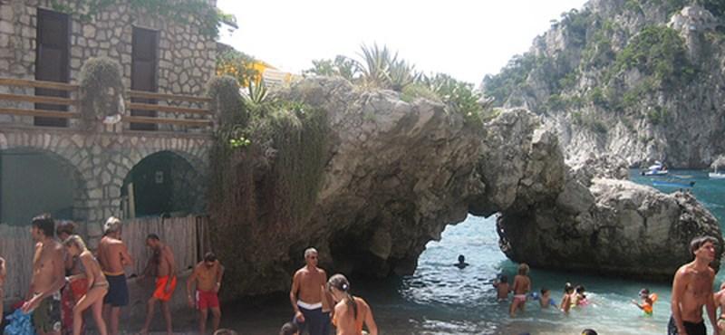 Kék zászlót kaptak a legtisztább olasz strandok