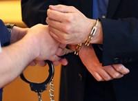 Gyermekpornóval zsarolt az orosz hitelező