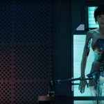 Scarlett Johansson meztelen páncélban oszt ki mindenkit – előzetes