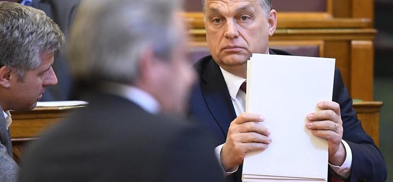 A fideszesek rándítják vállukat, Orbán a Bánki-cselt alkalmazva lépett meg