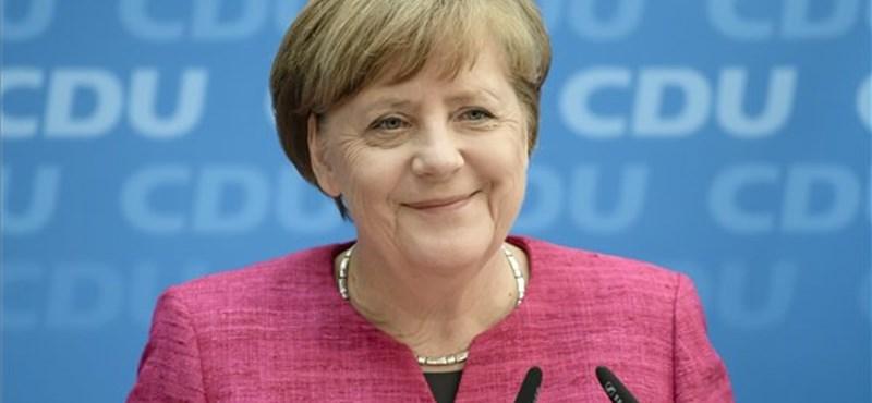 A bevándorlást is szabályozná Merkelék választási programja