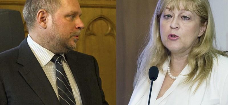 Többszörös törvénysértéssel vádolják Schmidt Máriáékat a kisrészvényesek