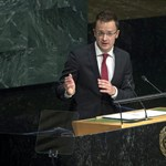 Diplomataként leszerepelt, mégis maradhat Szijjártó