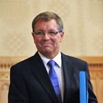 """""""Matolcsynak elgurult a gyógyszere"""" – reakciók a miniszter bejelentésére"""