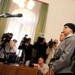 Képek: bíróság előtt az egyetemi vérengzésre készülő joghallgató