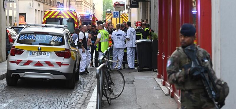 Őrizetbe vettek két embert a lyoni robbantás miatt