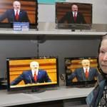Lukasenka az internettől védi a fiatalokat