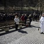 Megváltozik a járvány miatt a katolikus misék menete
