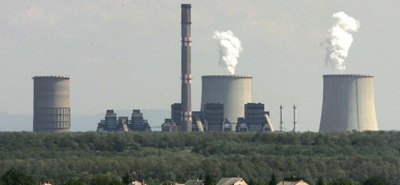 Sötét füstgázt pöfékel a Mátrai erőmű, de ez jót jelent