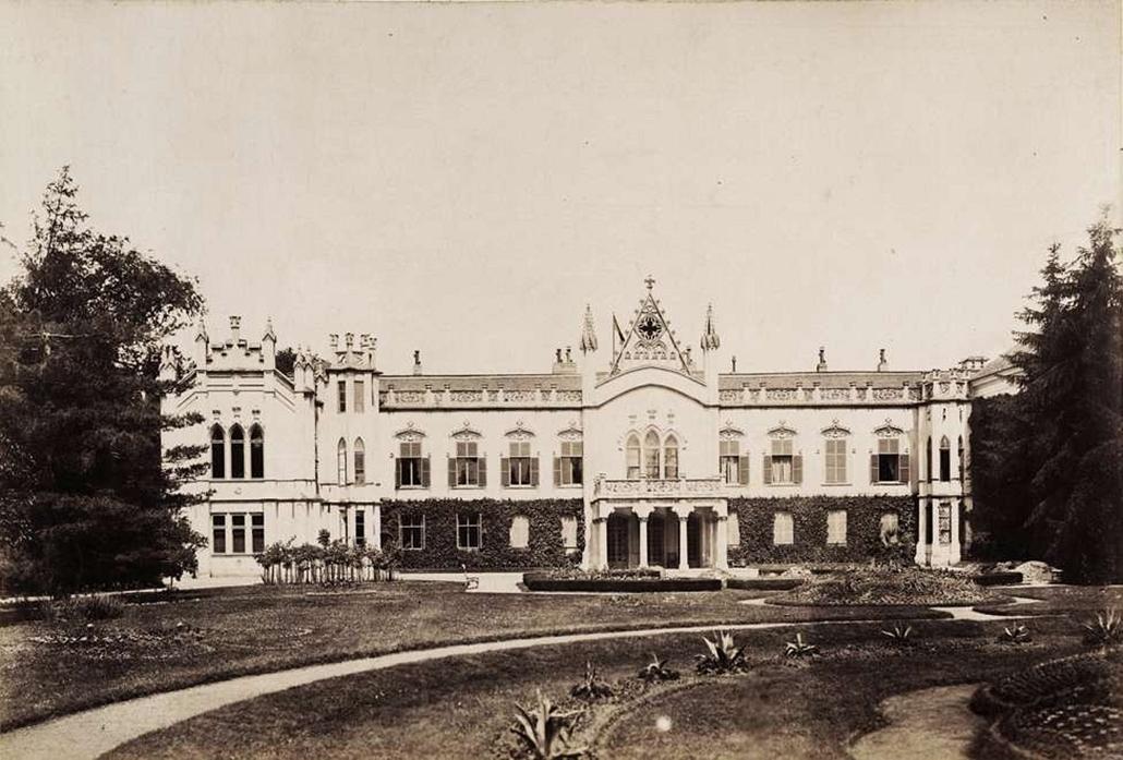 fortep_! - Klösz György kastély nagyítás - A martonvásári Dréher-kastély (egykori Brunszvik-kastély) hátsó nézete. A felvétel 1895-1899 között készült.