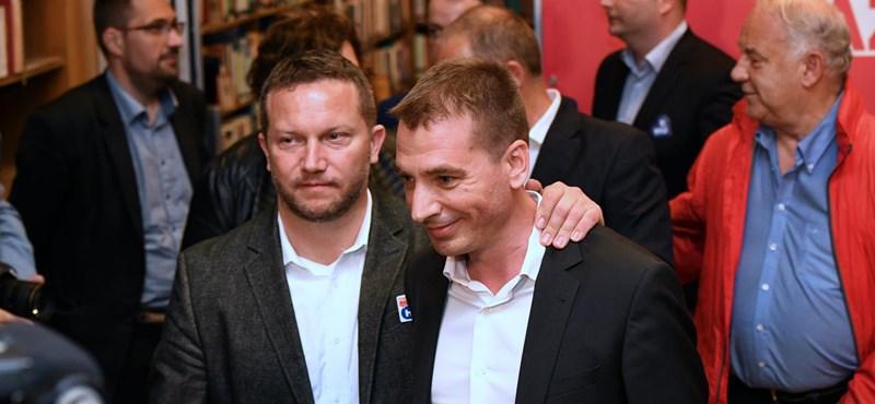 Ujhelyi felhívta Jávor Benedeket, a segítségét kérte