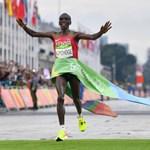 Szenzációs világcsúcsot állított fel a maratoni távon a kenyai Kipchoge