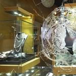 Hárommilliós gyémánt nyakláncot loptak Budapesten