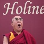 A dalai láma gyógyulásáért imádkoztak több százan