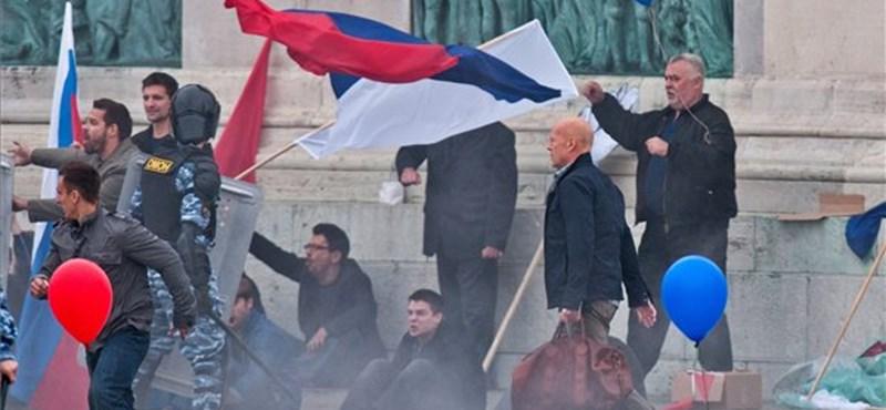 Fotó: Bruce Willis a Hősök terét forgatta fel