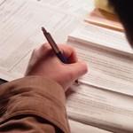Az adókedvezményt vagy a biztosítást is bukhatja, akinek átgondolatlanul írják át a munkaszerződését