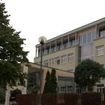 Csak festéket biztosított a Klebelsberg Központ, a tantermeket a szülőknek kellett volna kifesteni