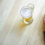 Kevesebb esélye van a demenciára, ha mértékkel fogyaszt alkoholt, mint ha egyáltalán nem iszik