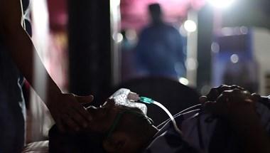 Több mint 4000 halott egyetlen nap alatt Indiában