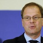 Három órán át faggatták a magát függetlennek nevező Navracsicsot az EP-ben