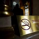 Népszabadság: egy dohánycéggel közösen írták a trafiktörvényt