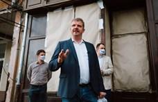 Szeretettel Erdélyből: Kitört a háború, Marosvásárhelyt ellepte a szemét