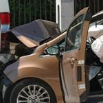 Autózás követte a kocsmázást Solymáron, az anyagi kár jelentős - fotóriport