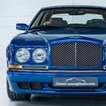 Igen ritka Bentley youngtimer keresi új gazdáját