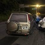 Összedobják a pénzt a sofőrnek, aki összetört három Ferrarit
