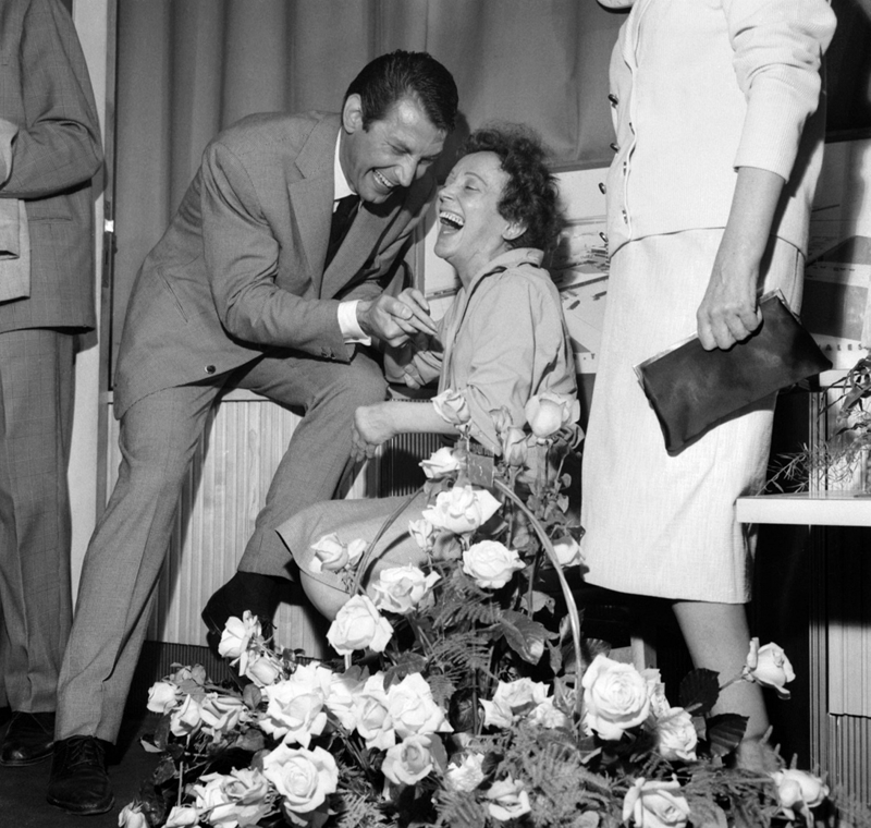 1959. - Felix Marten és Edith Piaf (hazaérkezve az USA-ból?) - Edith Piaf