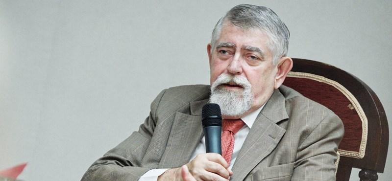 Balog miniszter utódja szerint a halálos betegségek a tízparancsolattal elkerülhetőek