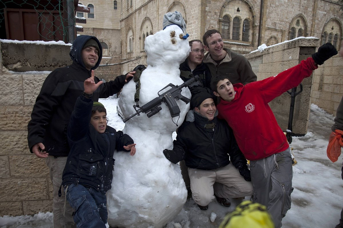 Ma pedig megünnepeljük a hóembereket