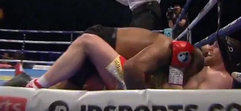 Megharapta riválisát a szorítóban a brit bokszoló – videó