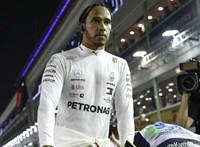 Lewis Hamilton előbb összetört egy iPhone-t, aztán tett valami kedveset