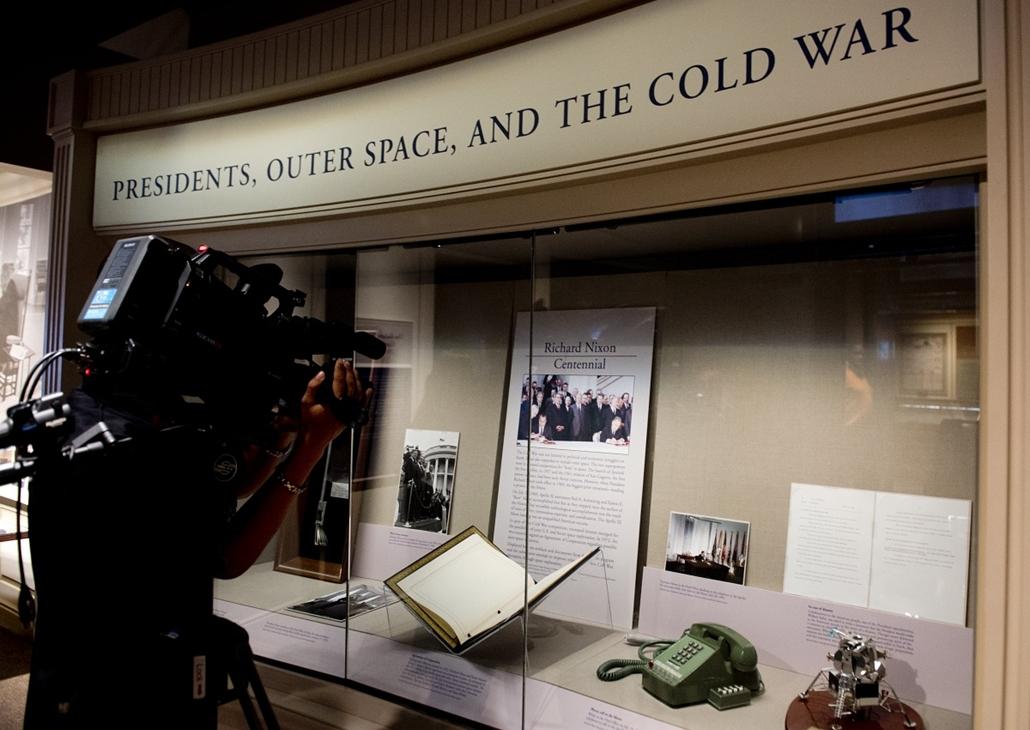 2013.01.07. - Nixon és Amerika az űrhajózás történetében - tárgyak kiállítása Washingtonban - Nixonnagyitas