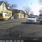 Videó: Azonnal bűnhődött a szabálytalan BMW-s