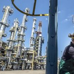 Az olajból és a gázból töltötték az Állami Nyugdíjalapot, most mégis eladnák a norvégok az iparági részvényeket