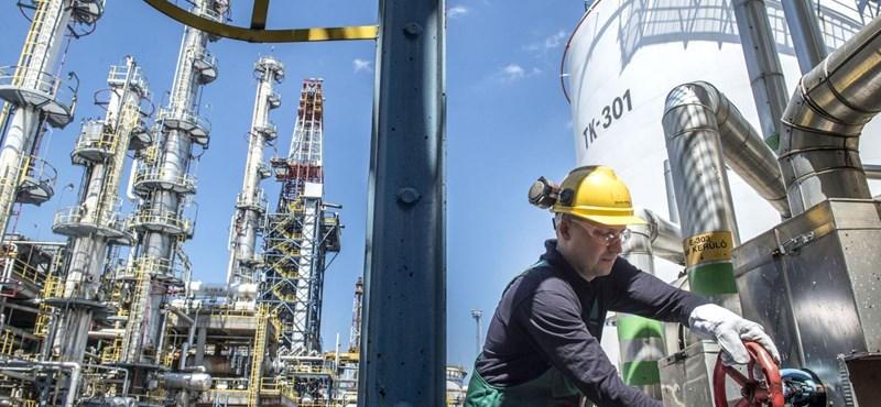 60 ezer tonna szennyezett olajat kaphattunk a Barátság vezetéken