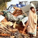 A japán földrengésre emlékeztek. Képek!