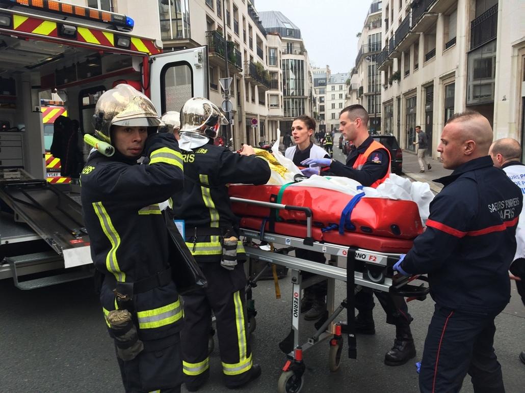 afp.15.01.07. - Párizs, Franciaország: lövöldözés a Charlie Hebdo szerkesztőségében - lövöldözés Párizsban