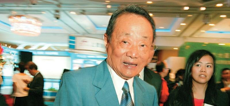 Nem a kor, a képesség számít: 95 évesen főtanácsadó a 92 éves kormányfő mellett