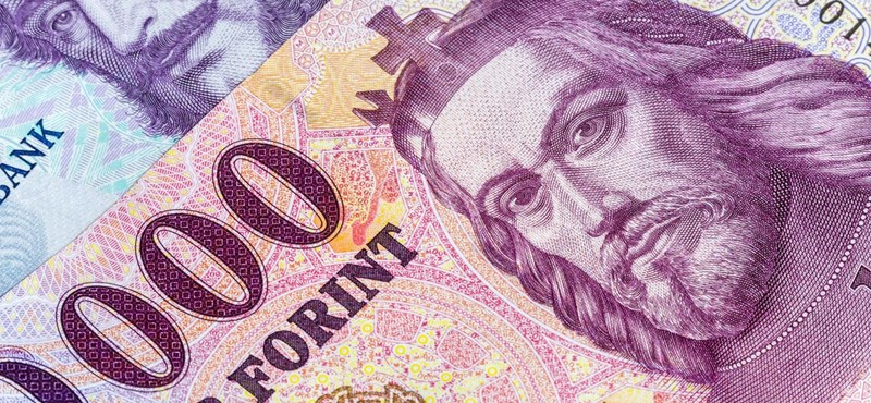A V4-ek között is a magyar bérek a legalacsonyabbak