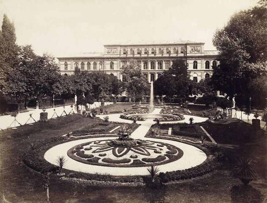 fortep_! - Klösz György kastély nagyítás - Georg Friedrich Brandseph német fotográfus felvétele Stuttgartról. A felvétel 1897-ban készült.