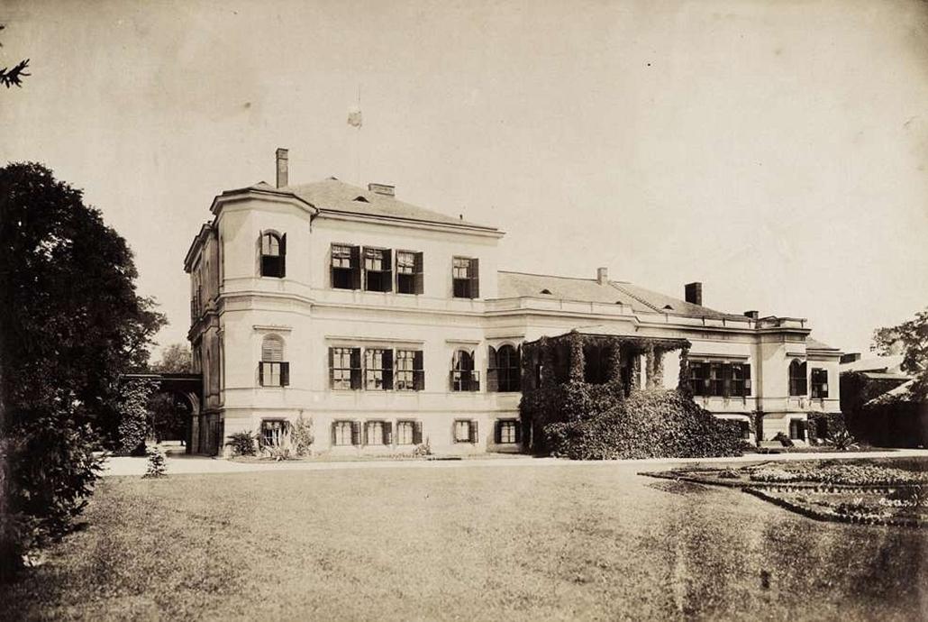 fortep_! - Klösz György kastély nagyítás - A nagyszentmiklósi Nákó-féle kastély elölnézete. A felvétel 1895-1899 között készült.