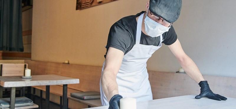 Próbababák, plüsspandák és üvegházak – kreatívan készülnek az újranyitásra a világ éttermei