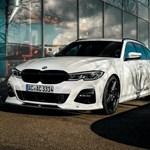 Spórolós családi sportoló: 315 lóerős dízel 3-as BMW kombi érkezett