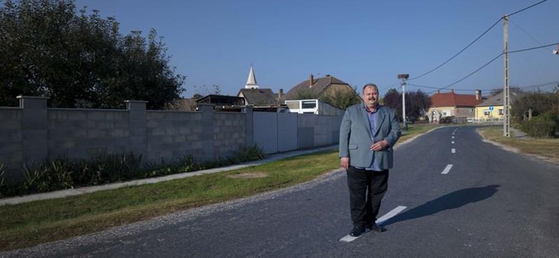 Elmentünk a faluba, ahol megvalósult Orbán nagy álma