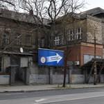 Úgy néz ki, mégis maradhat a helyén a hajléktalankórház a Szabolcs utcában
